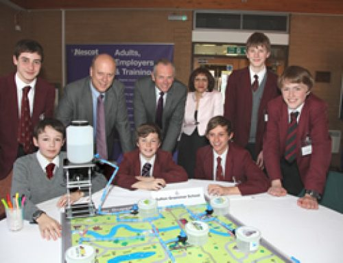Minister helps launch interactive water supply challenge for schools – April 2012